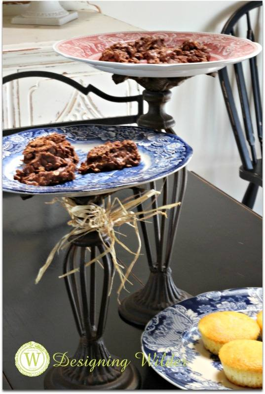 Elevating plates on pedestals provides extra counter space