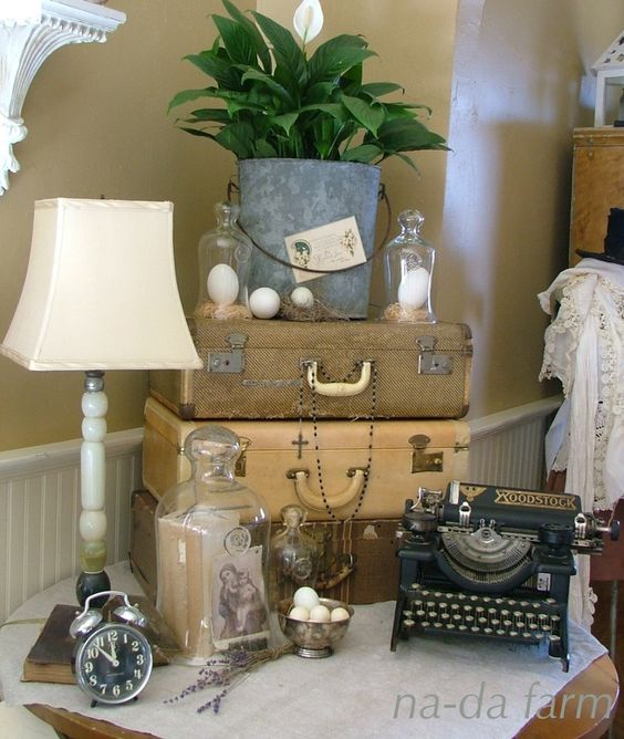 Flea Market Finds Decorating With Vintage Typewriters